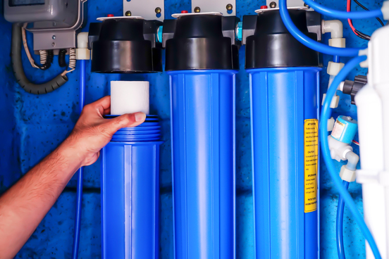 water-filter-system-osmosis-replacing-water-filter-waterpurification-commercial-use
